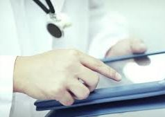 Tecnología inteligente para mejorar la atención a personas ancianas
