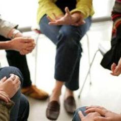 La terapia psicológica grupal mejora la calidad de vida de los cuidadores