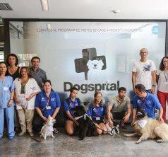 Los pacientes hospitalarios reciben la visita de sus perros